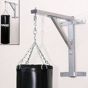 Method 1: Using a Mount to Hang a Heavy Bag